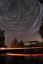 Sternenhimmel über der Zugbrücke in Neu Helgoland an der Hamme von Worpswede als